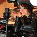 Rie Tsuji with her LCT 940 reference condenser FET studio mic
