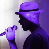 Louis Vi using the MTP 940 CM on rap vocals