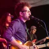 Will Champlin uses the MTP 940 CM reference live performance vocal mic for looping