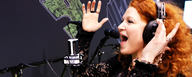 April sings through the LCT 440 PURE condenser microphone